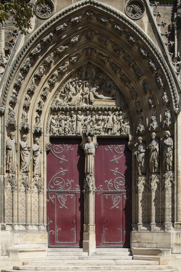 Photographie du portail saint Etienne et de ses sculptures
