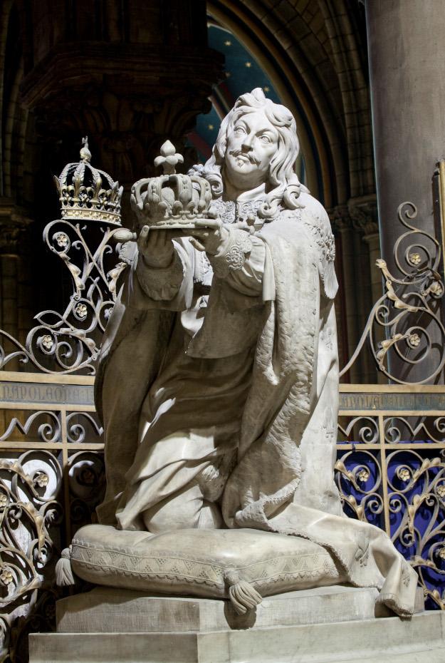 Photographie de la statue de Louis XIII de plain-pied