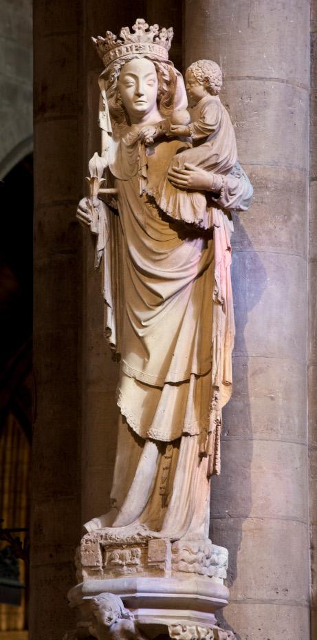 Statue de Notre Dame, appelée statue de la Vierge à l'enfant, de plain-pied