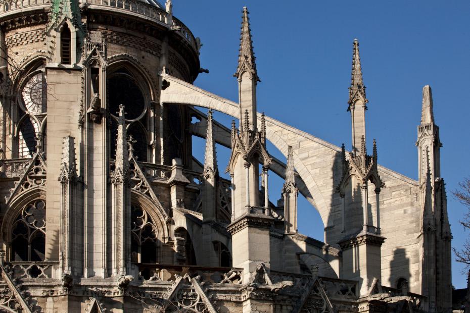 Notre-Dame de Paris, vue exterieure arcs boutants