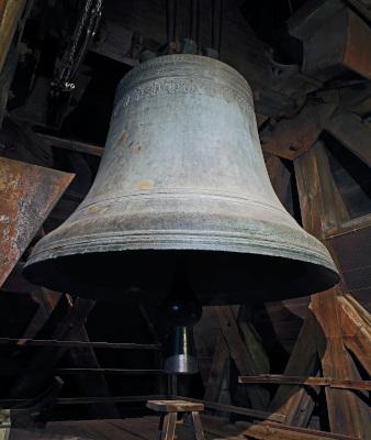 """Photo centrée du grand bourdon de Notre-Dame, dit """"bourdon Emmanuel"""""""