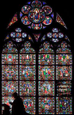 Vitrail des pèlerinages à Notre-Dame